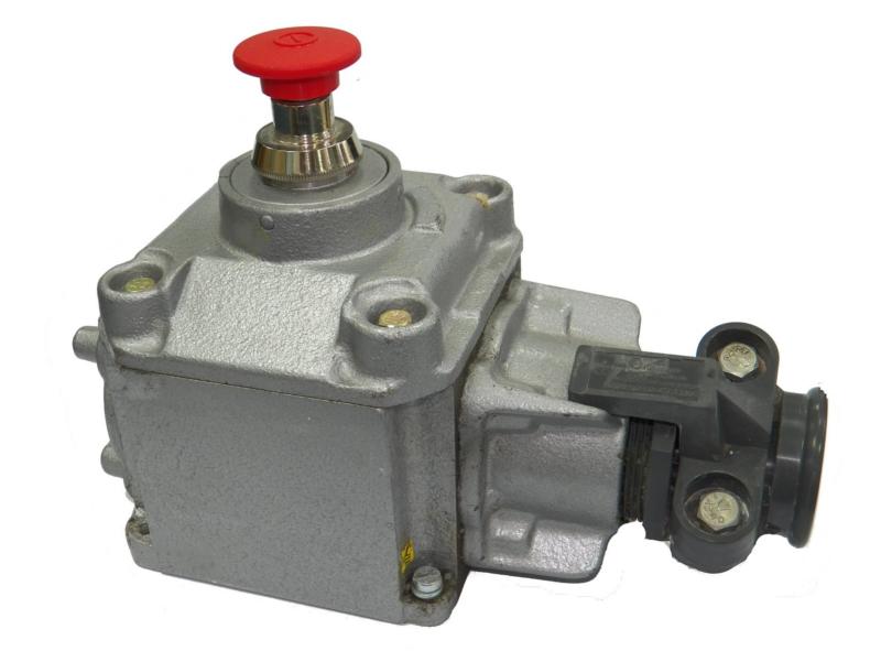 Ognioszczelny przycisk sterowniczy z napędem grzybkowym blokowanym typu PP-62A (500V, 6A)